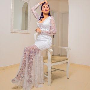 Bridal Gown Italian Lace Mermaid V neck New 2020
